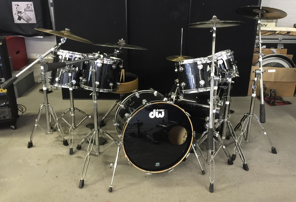 MOTORHEAD & PHILTHY ANIMAL - a DW Drum Workshop black speckled drum kit from the estate of Phil