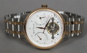 A Sea-Gull gentleman's wristwatch The open circular dial with date and seconds subsidiary dials.