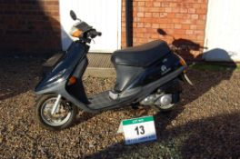 A 2005 CHUNLAN Starway CL50 49cc Step Through Scooter, Registration No:. YK05 FHP, First Registered: