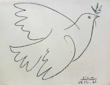 Pablo Picasso 1881 - 1973 Taube 1961 Lithographie Signatur und Datum in Druckplatte 49,5 x 65 cm