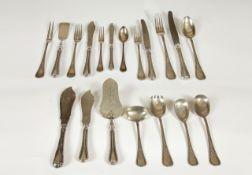 Tafelsilber 69 -teilig Silber 800, bestehend aus:6 große Löffel, 6 Dessertlöffel,6 große Gabeln, 6