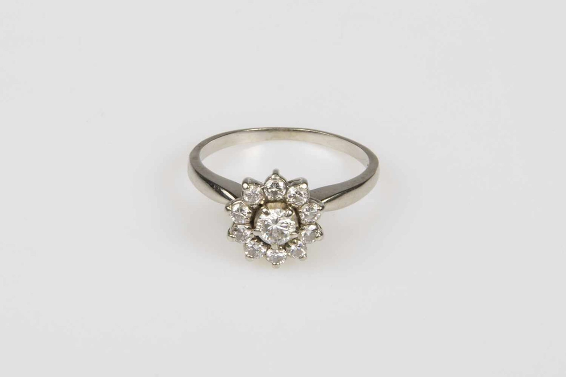 Brillant-Damenring Weißgold 585 mit Brillanten zus.ca.0,70 ct, RW 56 3,1 g;