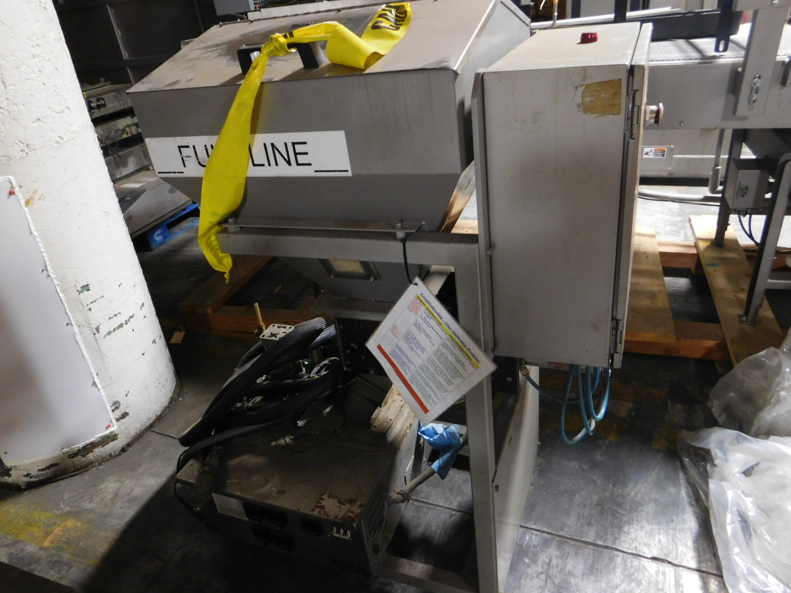 Lot 23 - Moem Glue Glue Melter ,240V,15AMPS, PHASE 3, M3A PF106-BIFQ,SN:1049,MFG. 3-2003 :equipment located