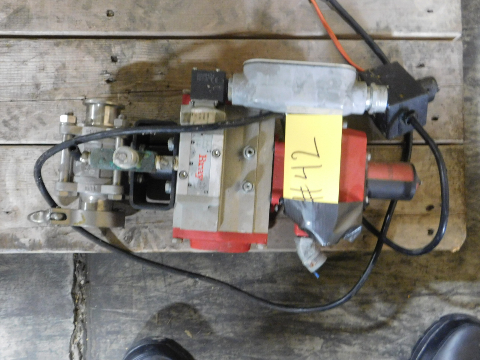 Lot 42 - Bray Vales 50-0406-12610-532,Valve Status Monitor/LMT Switch, SN:930834-11300532 :equipment
