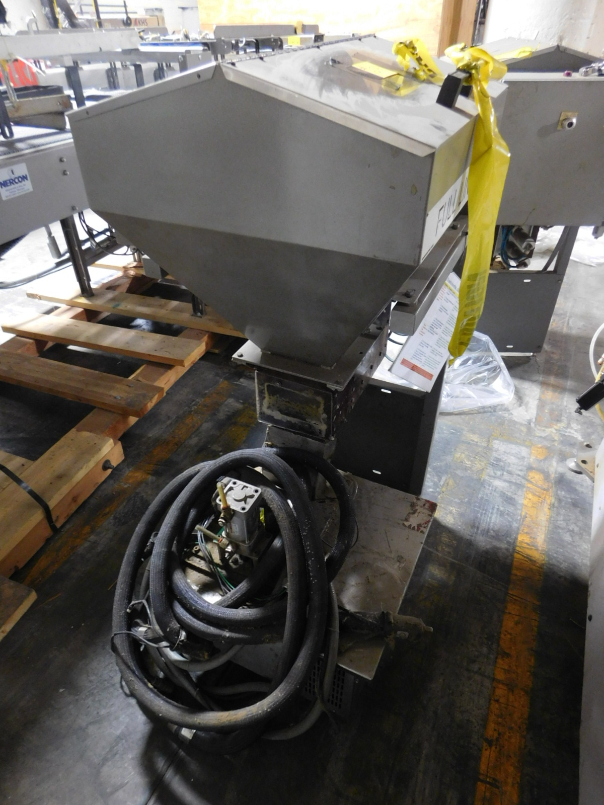 Lot 24 - Moem Glue Glue Melter ,240V,15AMPS, PHASE 3, M3A PF106-BIFQ,SN:1074,MFG. 3-2004,Top Sealer :