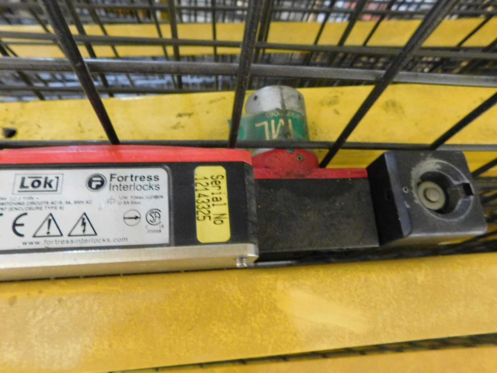 Lot 9A - Wire Metal Yellow Cage Yellow/ black cage Est. 15 PIECES with Fortress Interlock