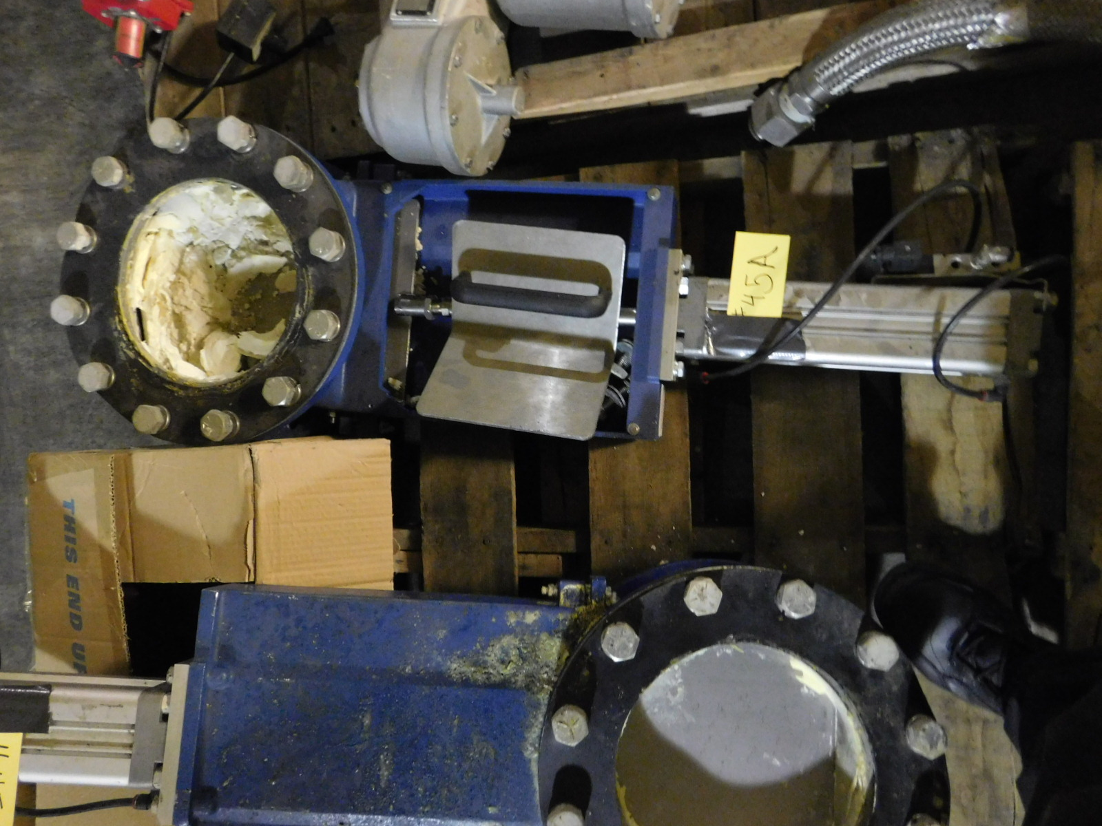 """Lot 45A - NORGEN 10"""" Valve Qty. With Norgren Double Action Pneumatic Profile Cylinder Model:PRA-182080/M"""