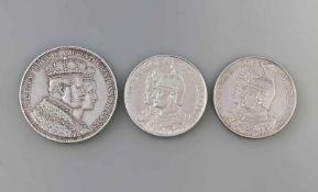3 Silbermünzen Deutsches Reich 1861/1901 dabei Kroenungsthaler 1861 (900er Silber, 18,5 g) und 2 x 2