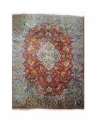 Täbriz mit Tier-Darstellungen Persien, Wolle, 400 cm x 297 cm, reinigungsbedürftig