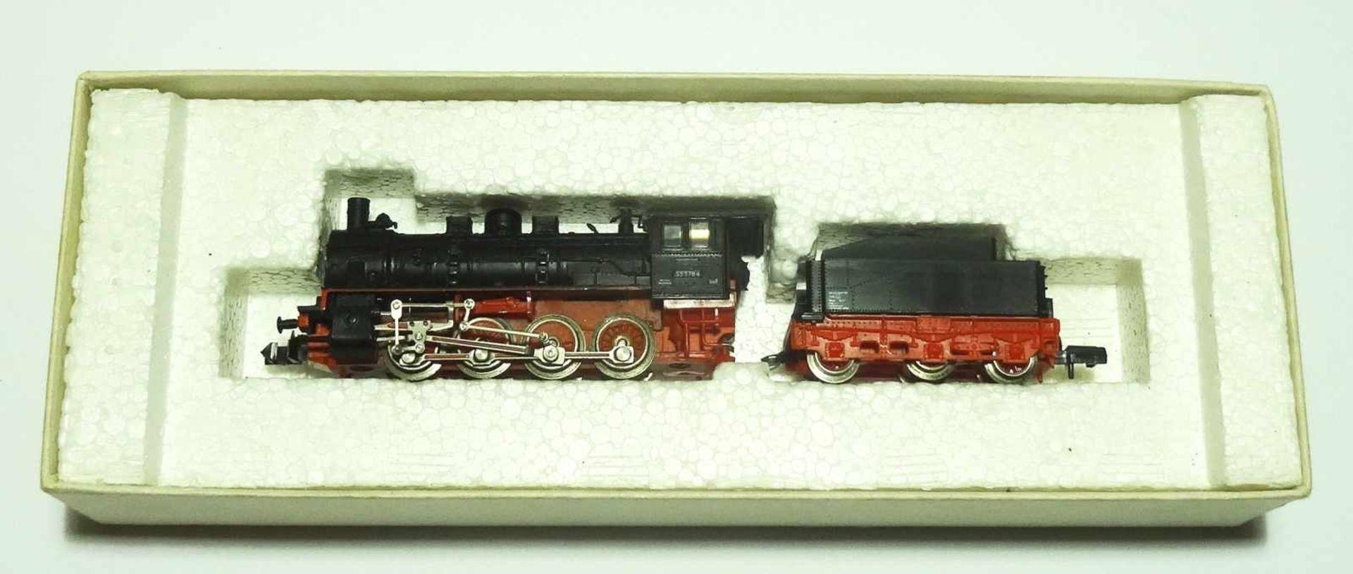 Los 6 - Konvolut Eisenbahn Zubehör Spur N PIKO div. Wagen, Weichen, Lokomotive und Häuschen, teilweise im