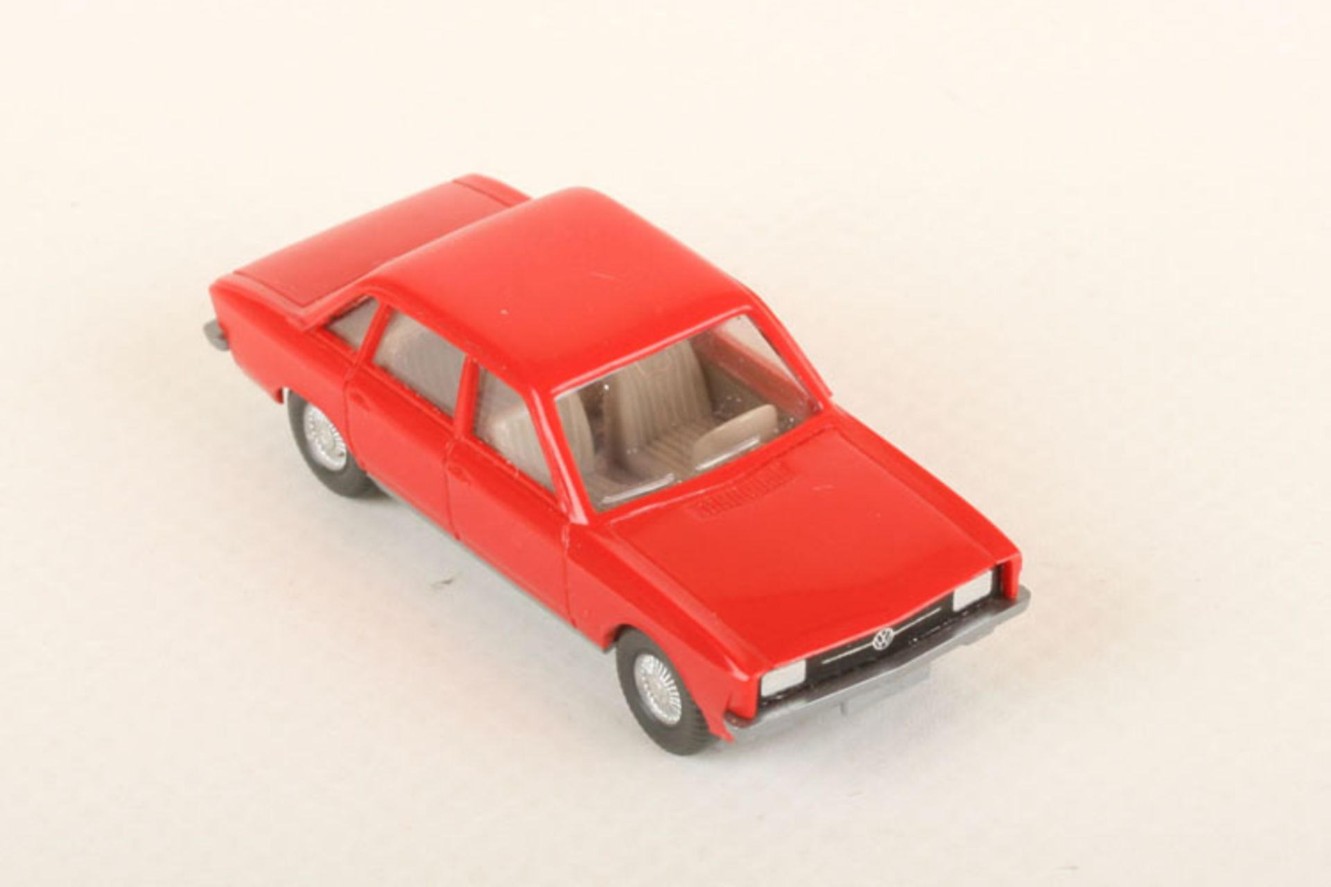 Los 1044 - Wiking VW K 70 rot 47/2c, neuwertig