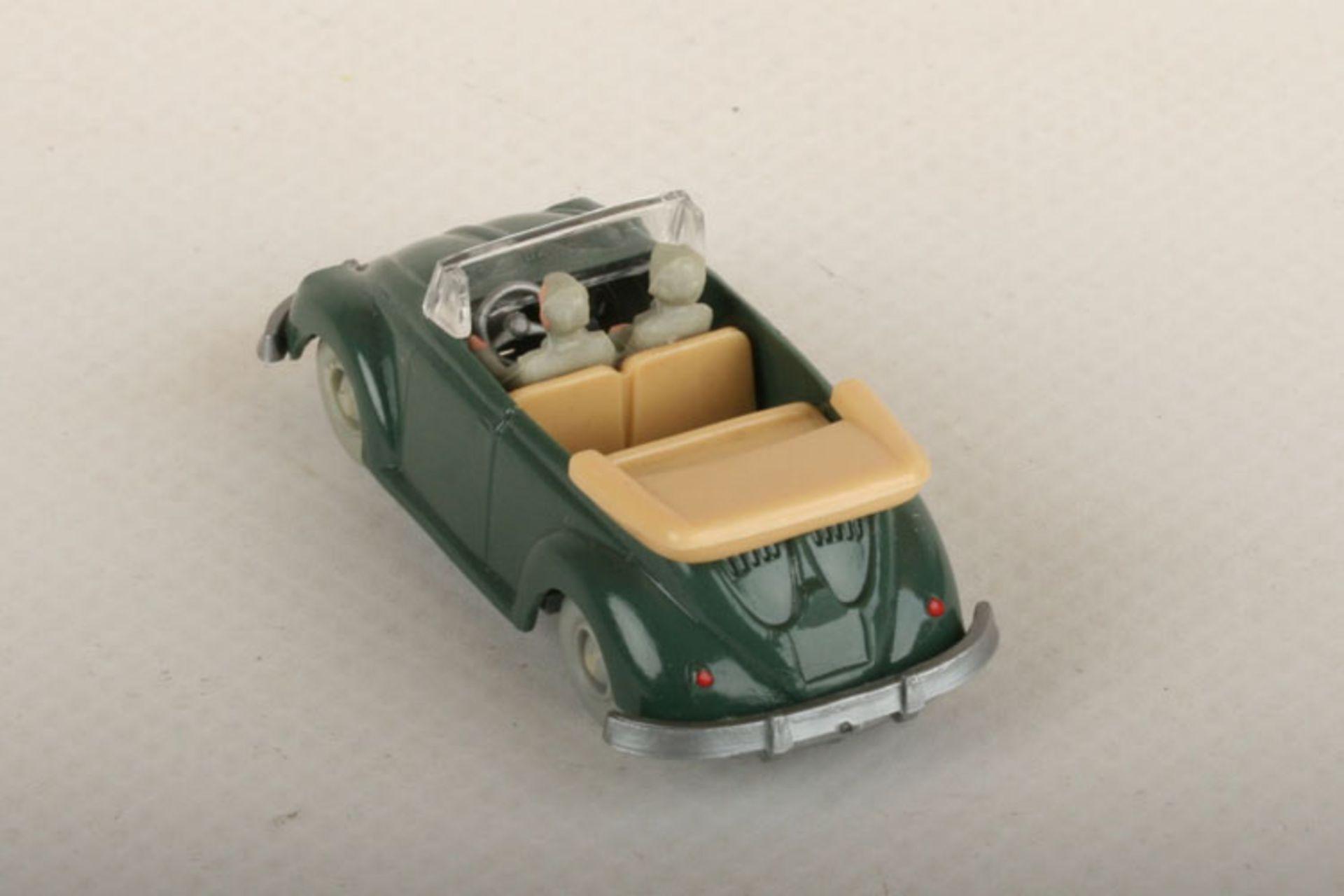 Los 1013 - Wiking VW Käfer Cabrio h'patinagrün (silbernes Lenkrad) 33/5i, IE h'beige, neuwertig