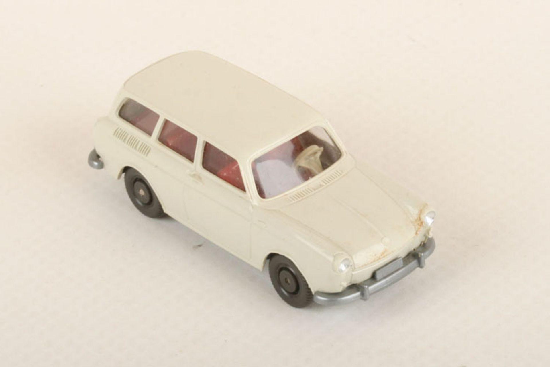 Los 1040 - Wiking VW Variant perlweiß mit IE 42/2e, neuwertig