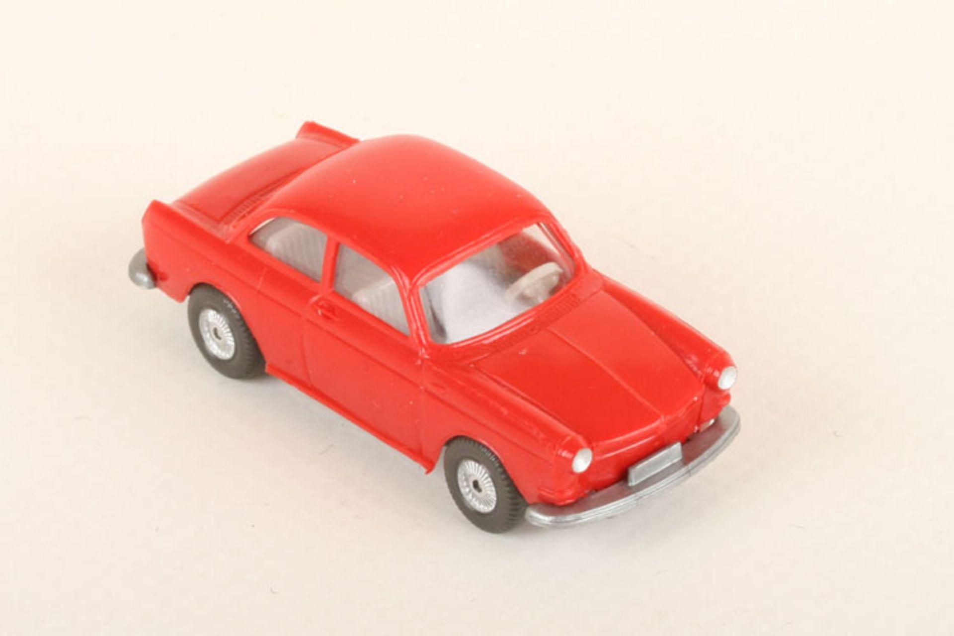 Los 1048 - Wiking VW 1600 rot 40/15c, neuwertig