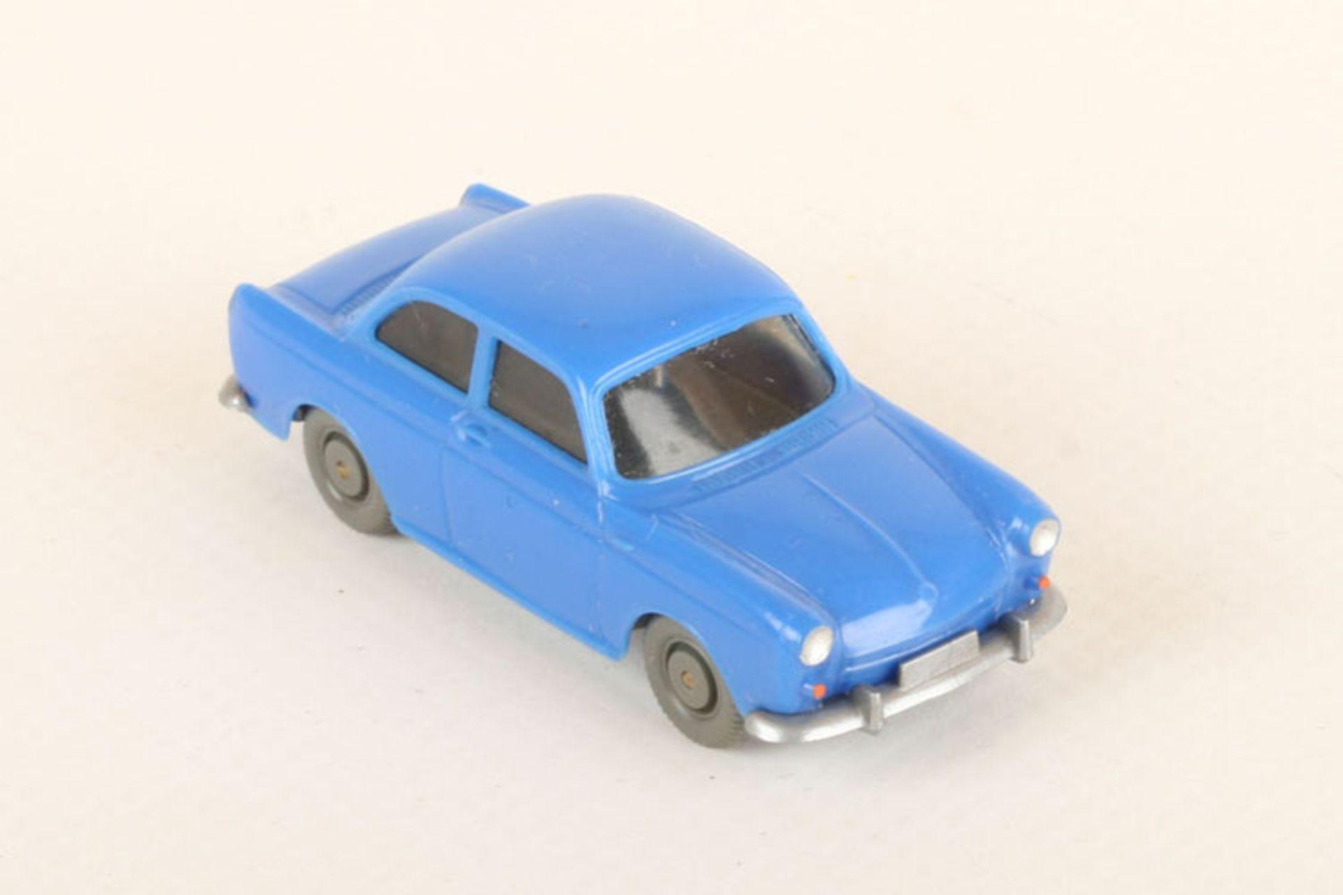 Los 1031 - Wiking VW 1500 h'-ultramarin 40/12d, neuwertig