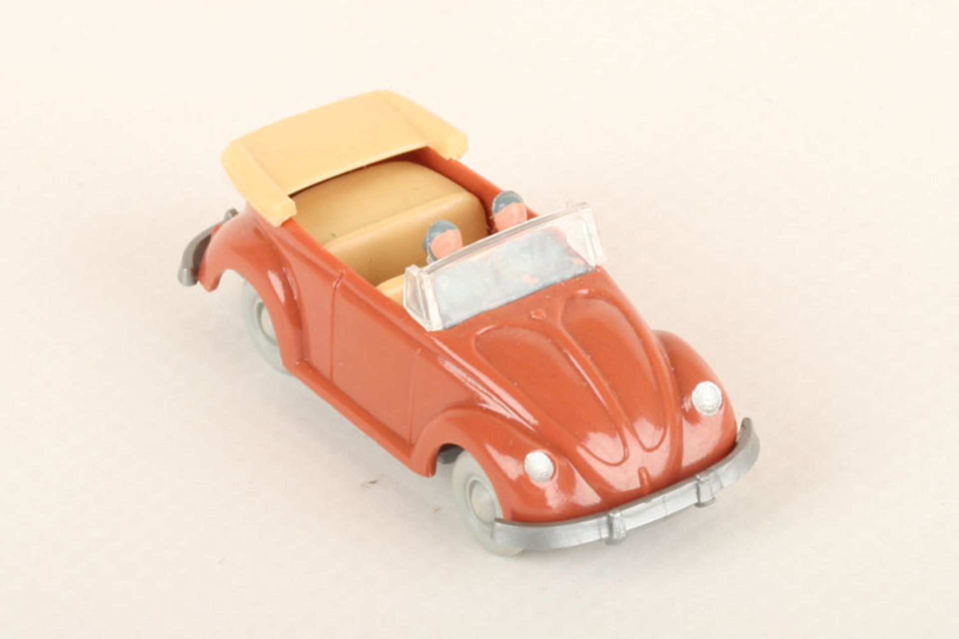 Los 1015 - Wiking VW Käfer Cabrio korallenrot 33/3g, IE beige, neuwertig