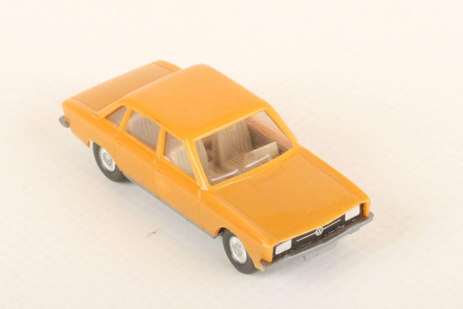 Los 1043 - Wiking VW K 70 senfgelb 47/2d, neuwertig