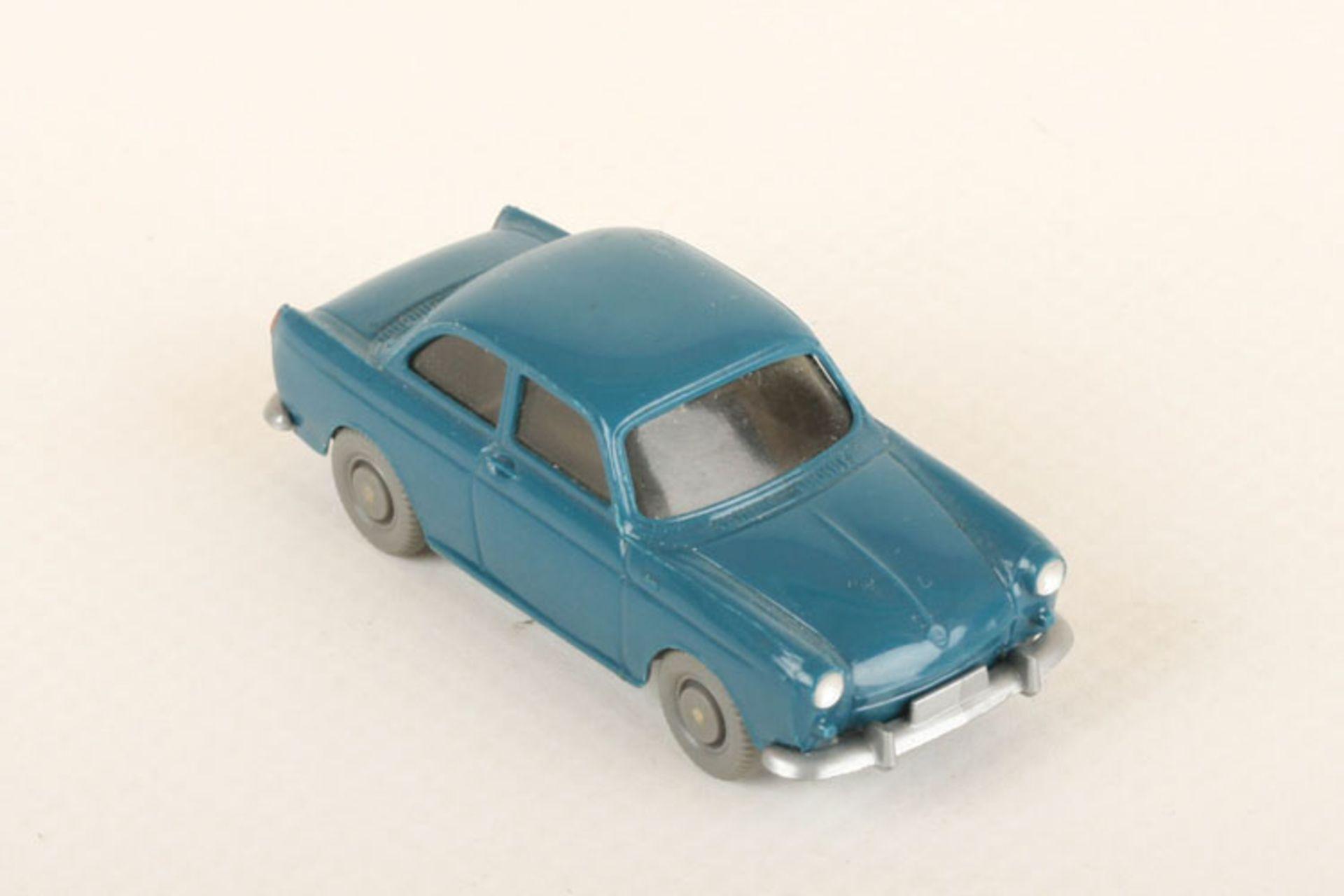 Los 1037 - Wiking VW 1500 azurblau 40/12i, neuwertig