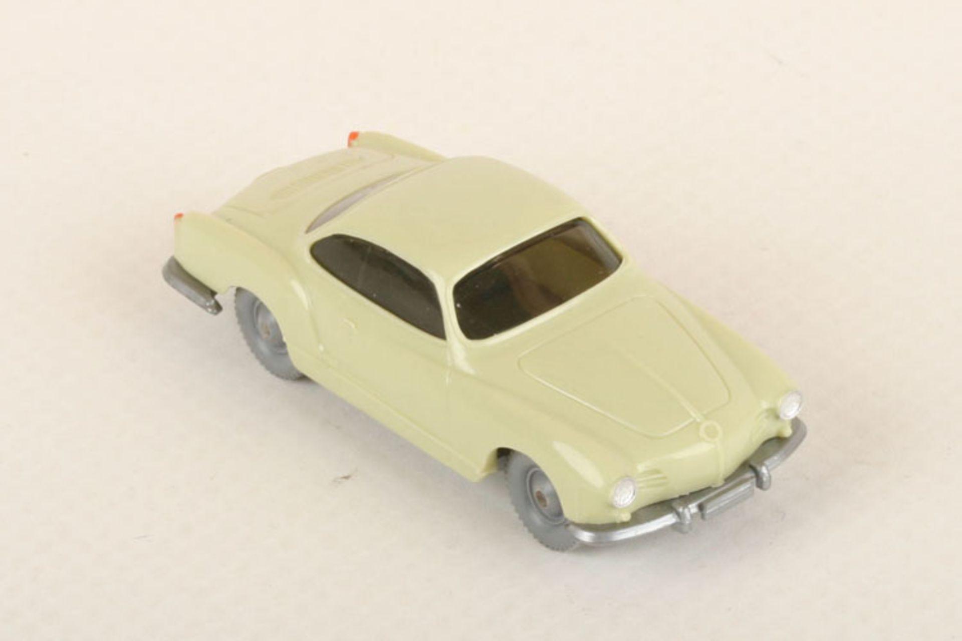 Los 1028 - Wiking VW Karmann Ghia h'grünbeige 34/4d, neuwertig