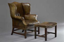 Leder Grandfather-Wingchair mit Fußhocker 110x85x72cm (Sitzhöhe: 46cm)