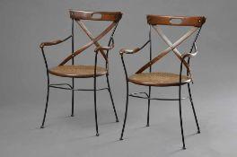 2 Moderne Eisen Gartenstühle mit Bugholzlehne und geflochtenem Sitz, H. 85/46cm