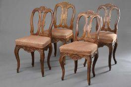 4 Barockstühle mit floral beschnitztem Gestell und geschweiften Beinen, Nußbaum, lachsfarbenes