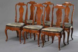6 Barock Stühle mit geschwungenen Beinen und Griffvolute an der Lehne, Kirschholz, Samtpolster, H.