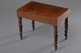 Englischer Mahagoni Beistelltisch mit gedrechselten Beinen und Keramik Einsatz, 45x55x32cm