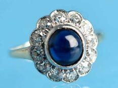 Ring mit Saphir-Cabochon und 12 Diamanten, zusammen ca. 0,24 ct, Art Deco 585/- Weiß- und