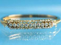 Russischer Armreifen mit Altschliff-Diamanten und Diamantrosen, zusammen ca. 1,9 ct, Sankt