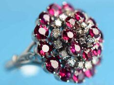 Ring mit 22 natürlichen Rubinen und 25 kleinen Brillanten, zusammen ca. 0,4 ct, Thailand 20. Jh.