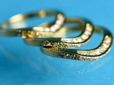 3 Ringe mit Brillanten, zusammen 1,5 ct, 20. Jh. 750/- Gelbgold. Gesamtgewicht ca. 10,8 g. Schmale