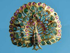 Große Pfauen-Brosche/ Anhänger mit reichhaltigem Smaragd- und Rubinbesatz, Goldschmiedearbeit,