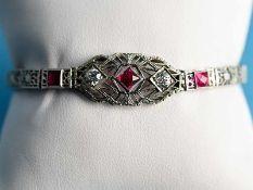 Armband mit roten Farbsteinen und 2 Altschliff-Diamanten, zusammen ca. 0,4 ct, Amerika, 20. Jh.