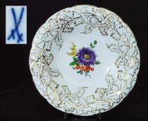 Prunkschale. Prunkschale. MEISSEN, alte Form Nr. C 113. Im Spiegel farbige Blumenbemalung. floral