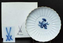 Teller. MEISSEN. Teller. MEISSEN, 20. Jahrhundert, 1. Wahl, Dekor-Nr. 750910, Form-Nr. 00429. Mit