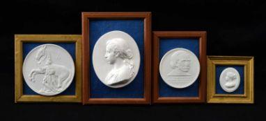 Vier Medaillons oval, mit Portraits, im Rahmen, zwei mit Markenstempel Meissen, Dm 7 cm