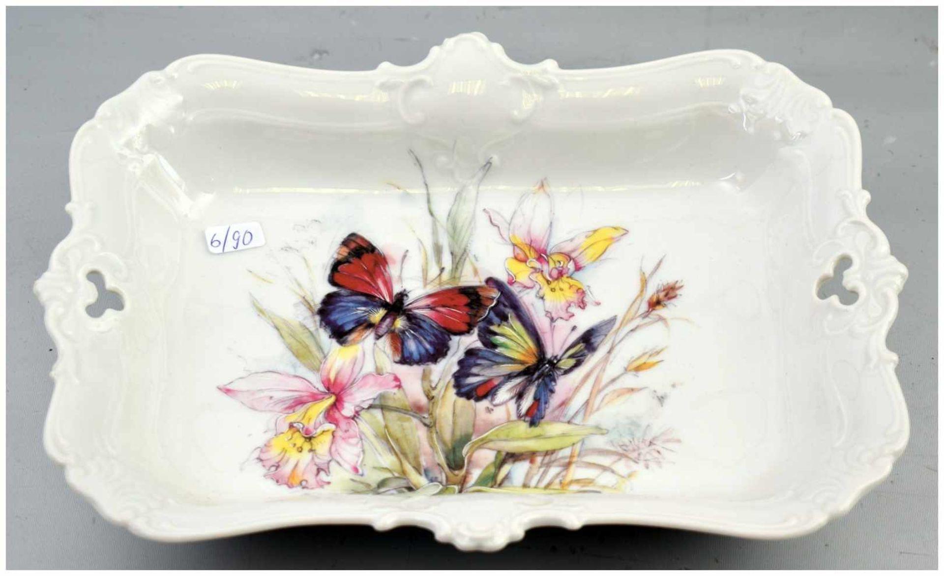 Los 13 - Gebäckschale gewellter Rand, mit Barock-Ornamenten, Spiegel mit Schmetterlingen und Blumen bunt