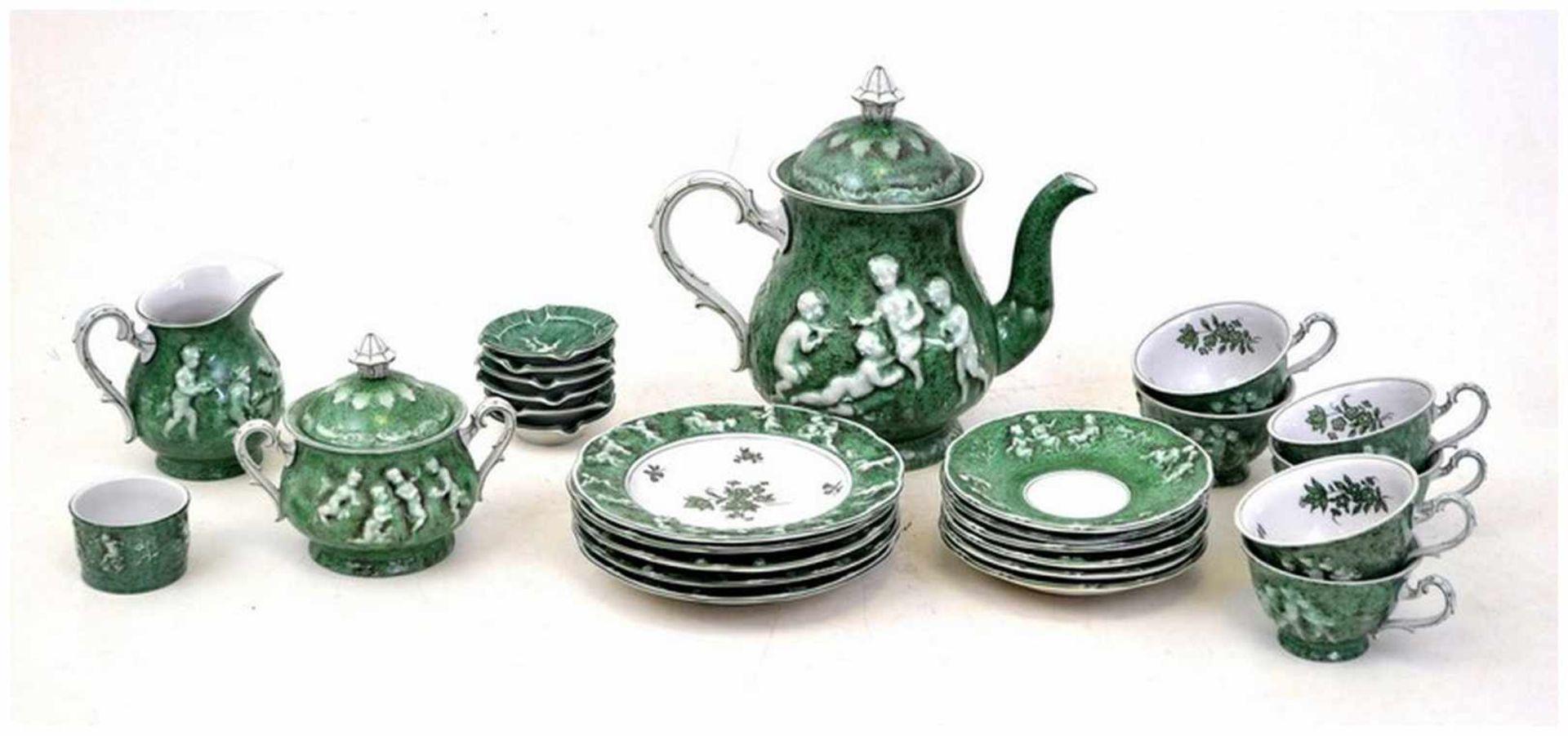 Los 49 - Konvolut Kaffeeservice für fünf Personen, 26 Teile, grün, mit spielenden Puttos verziert, FM