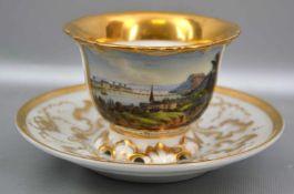 Prunk-Ansichtstasse mit Untertasse, breiter Goldrand, Tasse und Untertasse aufwendig gold