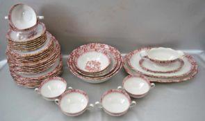 Speiseservice für sechs Personen, 38 Teile, Goldrand, mit Ranken, Blüten und Ornamenten rot
