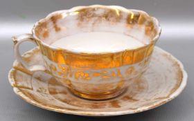 Tasse mit Untertasse, mit goldenen Ornamenten verziert, best., blaue Schwertermarke Meissen, 19.