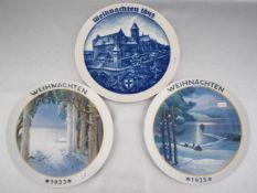 Drei Weihnachtsteller mit Winteransichten, Jahrgänge 1933, 1935 und 1942, sign. H. Fink, Dm 22 cm,