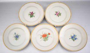 Fünf Teller Goldrand, Spiegel mit bunter Blumenbemalung, Dm 15 cm, 19. Jh.