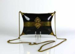Biedermeier-Abendtasche (ca. 1840) Ebenholz- und Messingmontagen sowie Messingverschluss und -Kette;