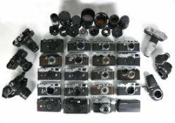 LEICA-Sammlung Teil I 23 div. Leica-Fotoapparate Ernst Leitz, Wetzlar; von 1930 - ca. 2000; mit div.