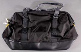 Pirelli Weekend-Reisetasche neu und unbenutztKomfortable und geräumige Reisetasche mit
