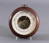 Antiker BarometerHerstellerbezeichnug HF auf der Rückseite, ca. D-16,5 cm.