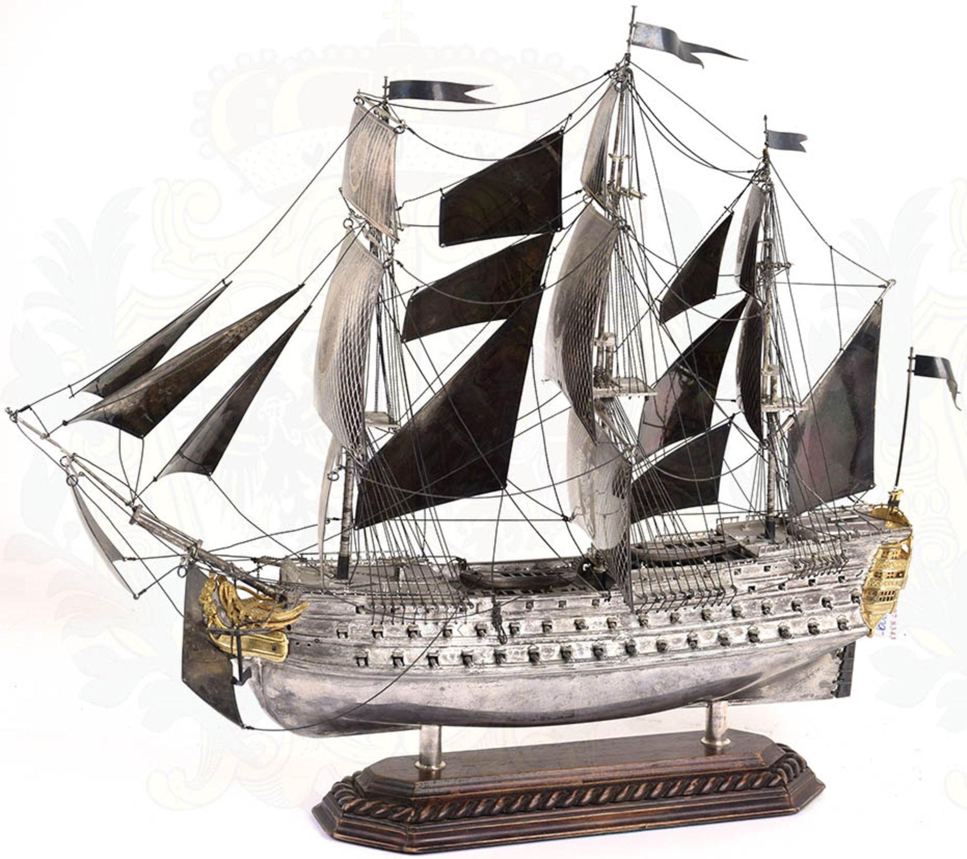 MODELL-LINIENSCHIFF, Dreidecker-Segellinienschiff der 2. Hälfte des 18. Jhd. mit 100 Kanonen, - Bild 15 aus 15