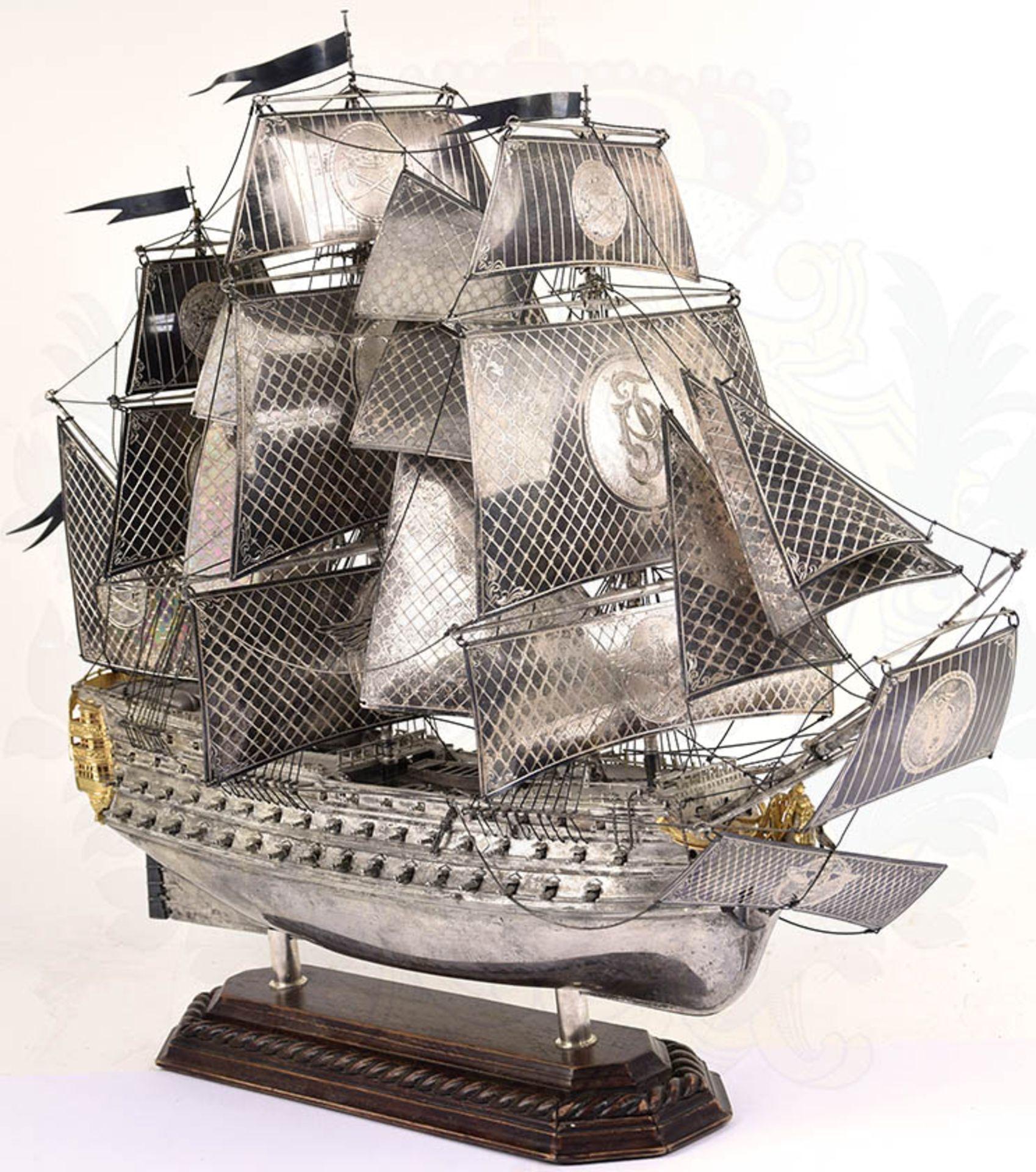 MODELL-LINIENSCHIFF, Dreidecker-Segellinienschiff der 2. Hälfte des 18. Jhd. mit 100 Kanonen,